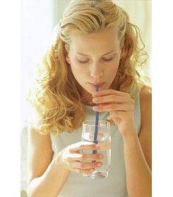 Słomka ułatwiająca połykanie tabletek